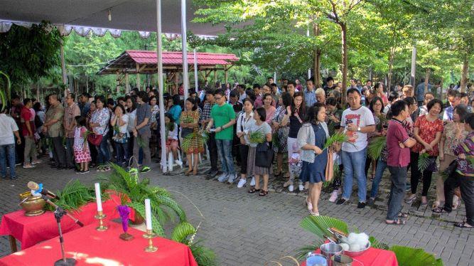 1.541 Orang Ikuti Misa Kedua Minggu Palma di Pinang