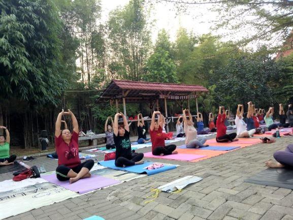 Yuk Bergabung dengan Sanberna Yoga Community di Taman Gereja Pinang